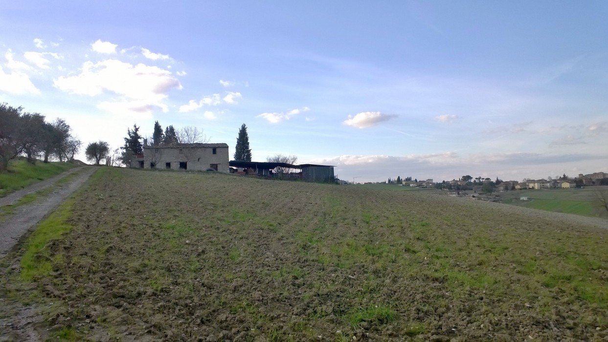 Sale stone house with land in Umbria