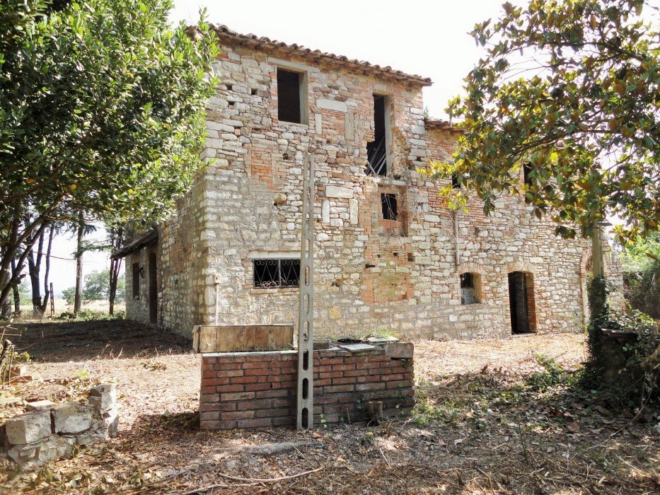Ancient farmhouse in Umbria, rich in atmosphere