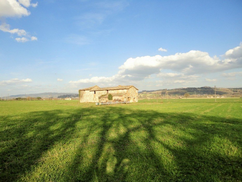 Sale stone houses with land in Marsciano