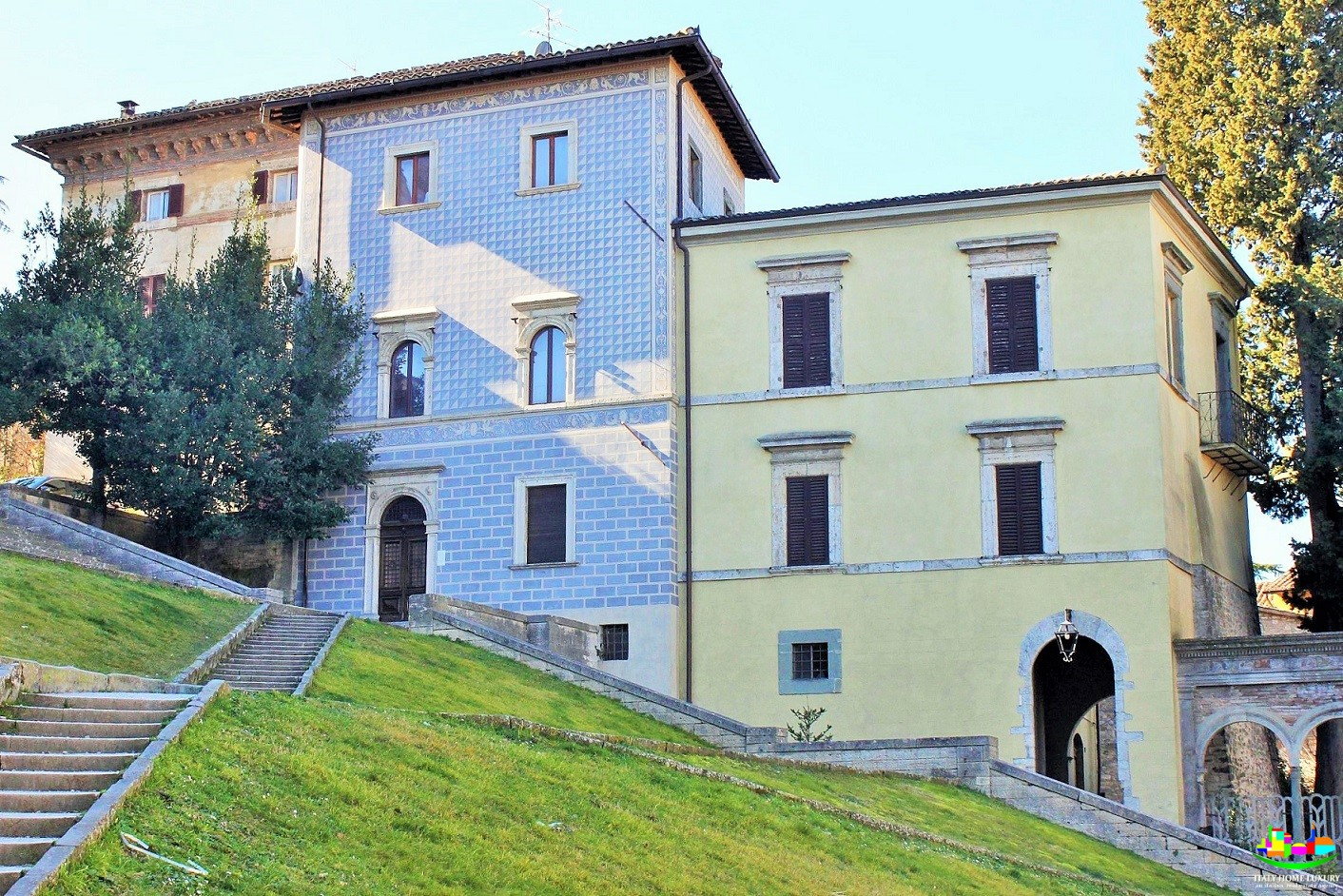 Stately home for sale in Todi center